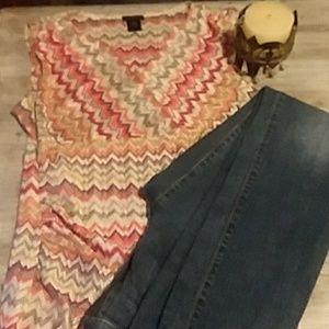 Shear zig-zag multi-colored print blouse
